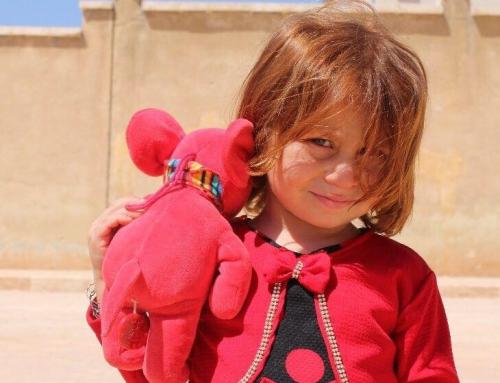 La AAPS con las niñas sirias :)